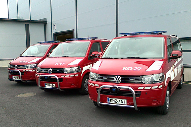 VW-T5-punainen-1