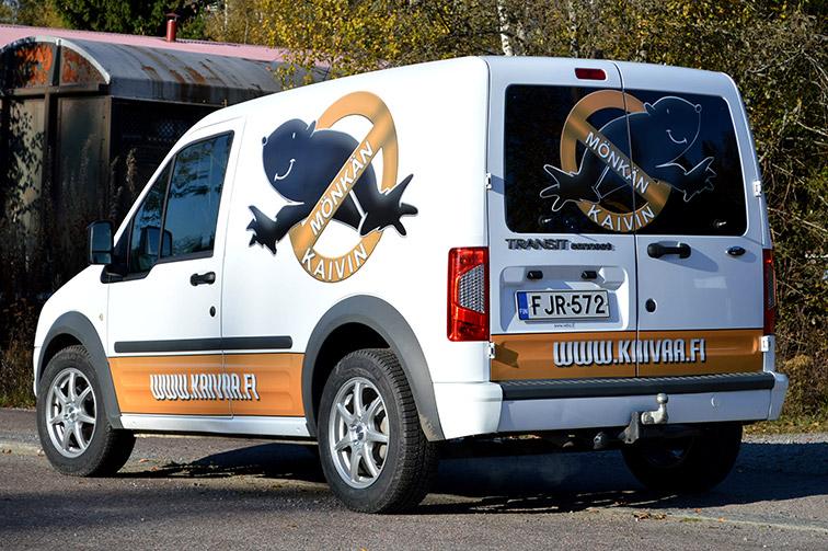 Pakettiauto-Ford-Transit-Connect-valkoinen