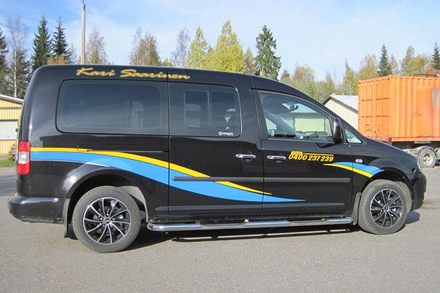 VW-Caddy-Maxi-musta-2