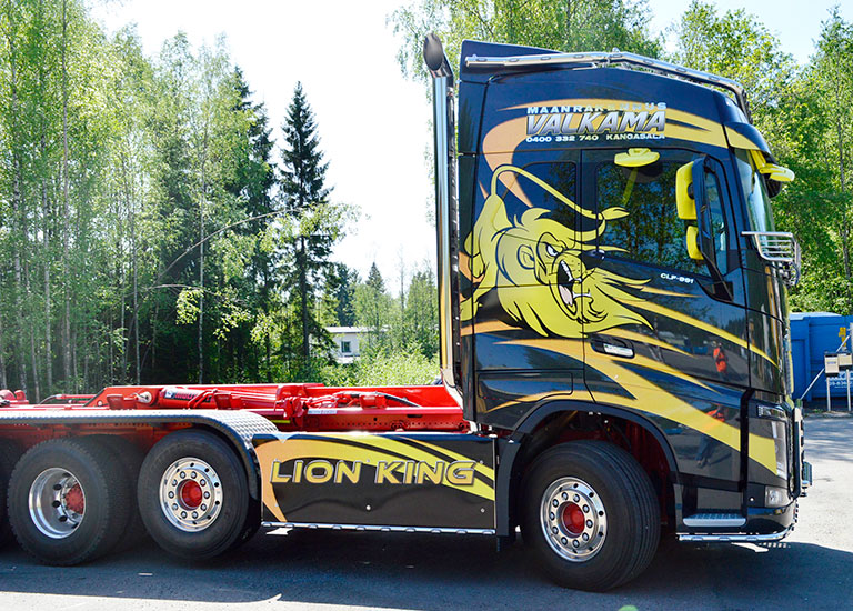 Ajaks-line-kuorma-auto-hytti-leijona