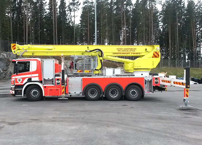 ajaks-line-pelastuslaitoksen-nosturi-768